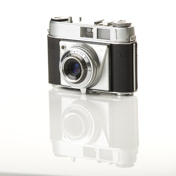 1924813_old-fashioned-photography-camera
